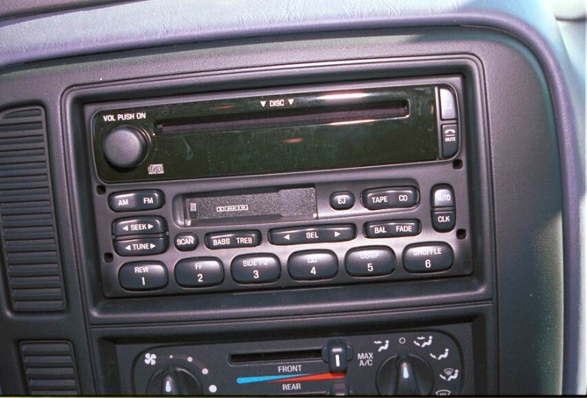 ford windstar radio