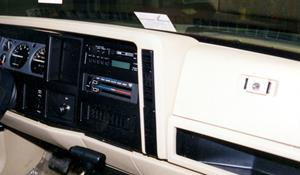 1991 Jeep Cherokee Factory Radio