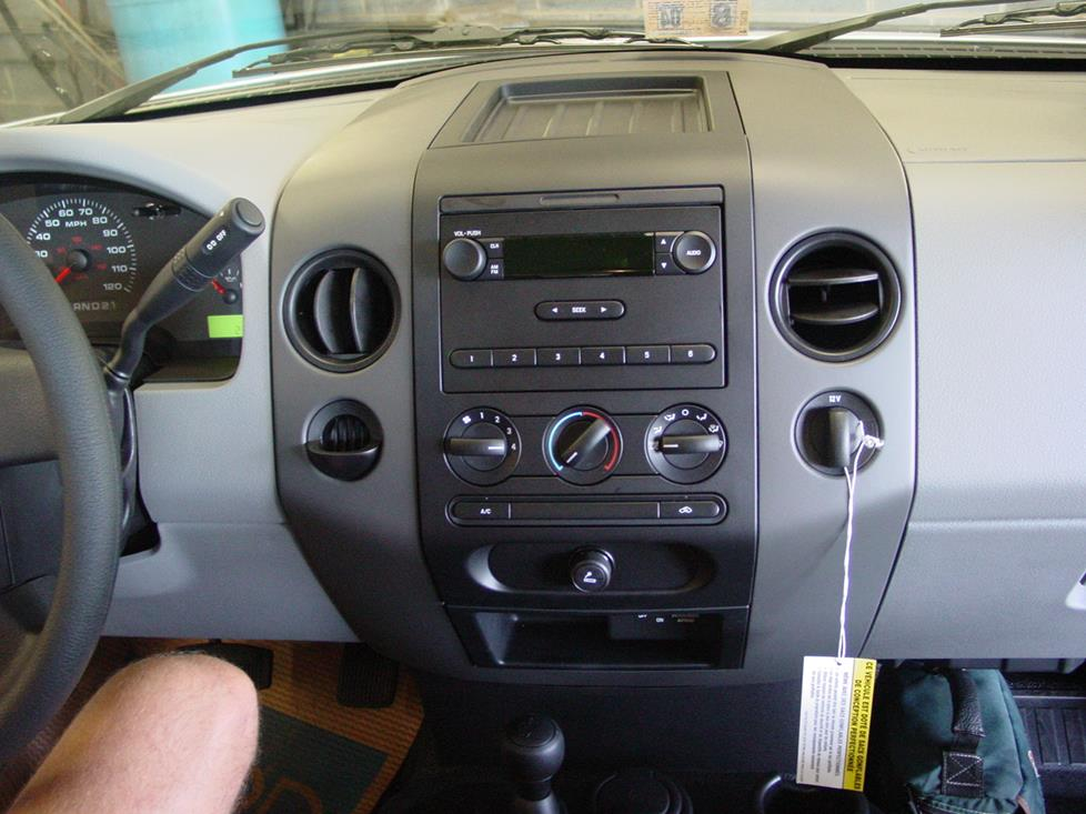 Ford F150 supercab radio