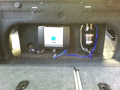 Amp and capacitor mounted on the sub box/><p class=