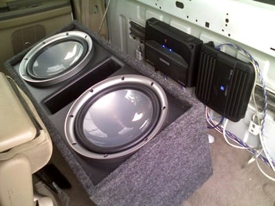 Two amps provide pently of power for both the door speakers and the subwoofers.