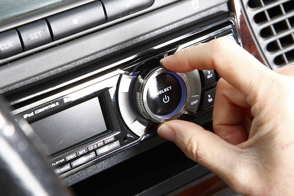 Receiver in dash