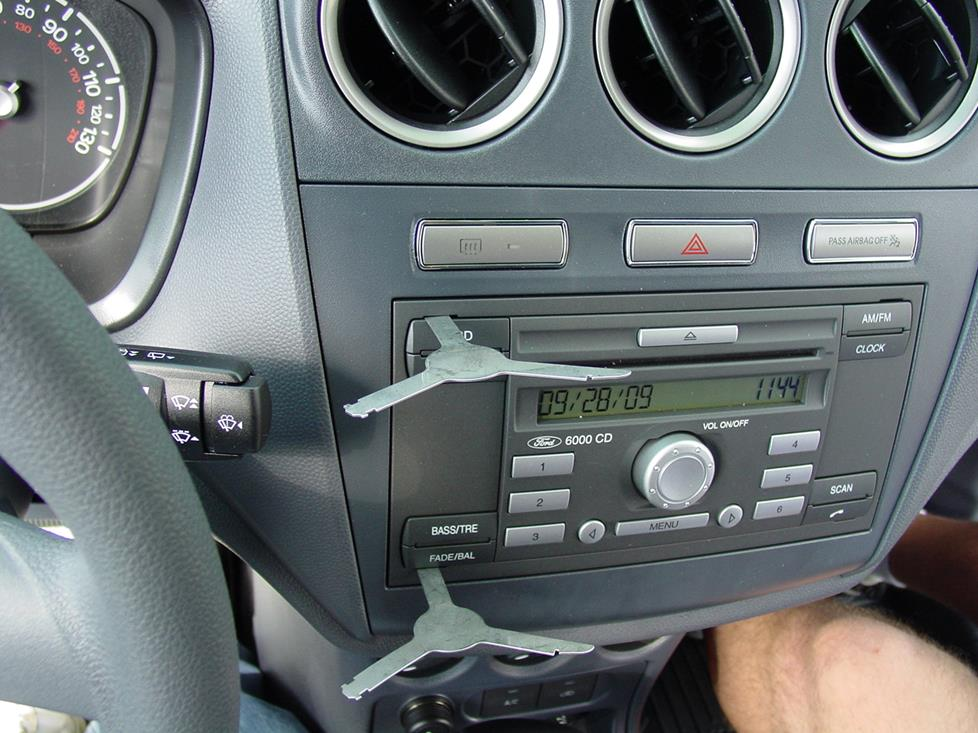 ford transit connect radio