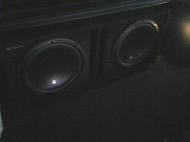 Stephen D's 2003 Jaguar X-Type - JL Audio 12w3v3 subwoofers
