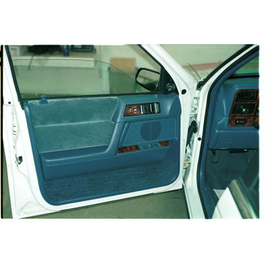 1993 Chrysler Lebaron Front door speaker location