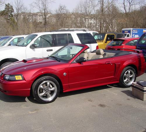 2002 Ford Mustang Exterior