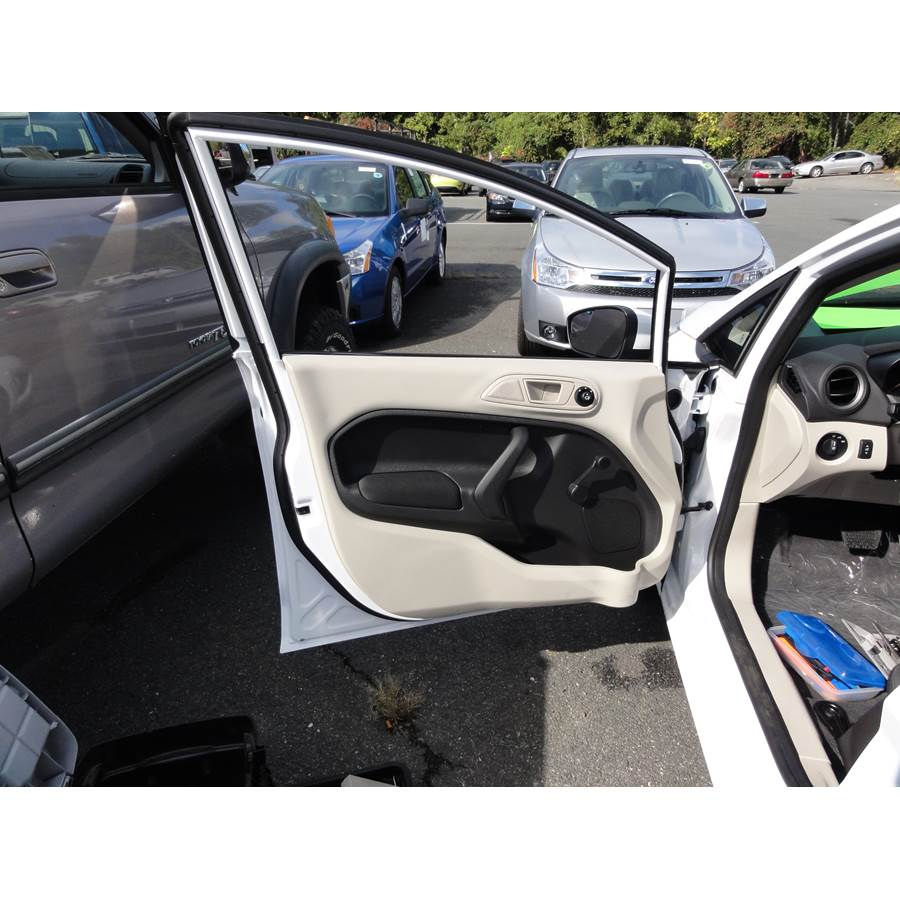 2011 Ford Fiesta Front door speaker location