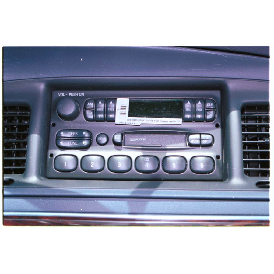 2000 Ford Crown Victoria Factory Radio