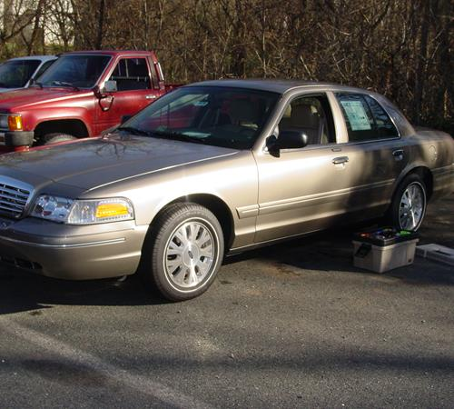 2004 Ford Crown Victoria Exterior