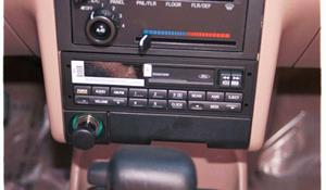 1995 Ford Escort Pony Factory Radio