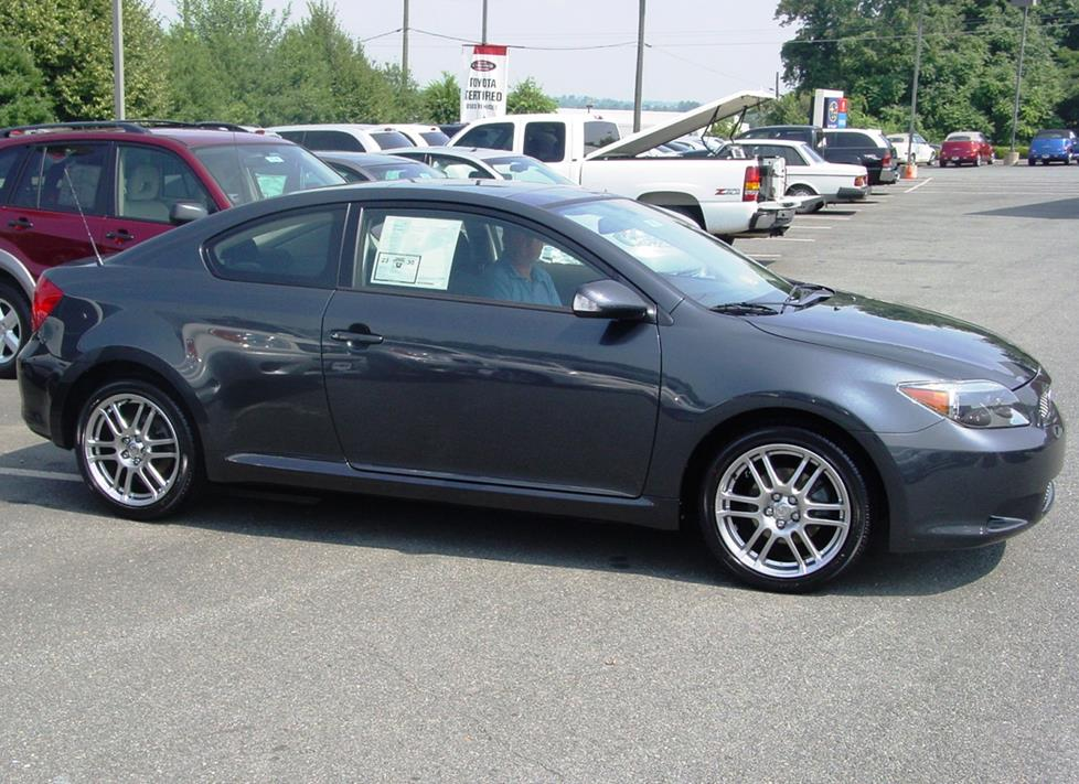 2005 Scion tC liftback