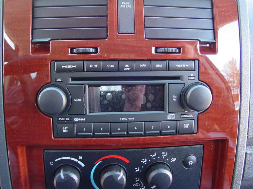 Dodge Dakota Base Radio