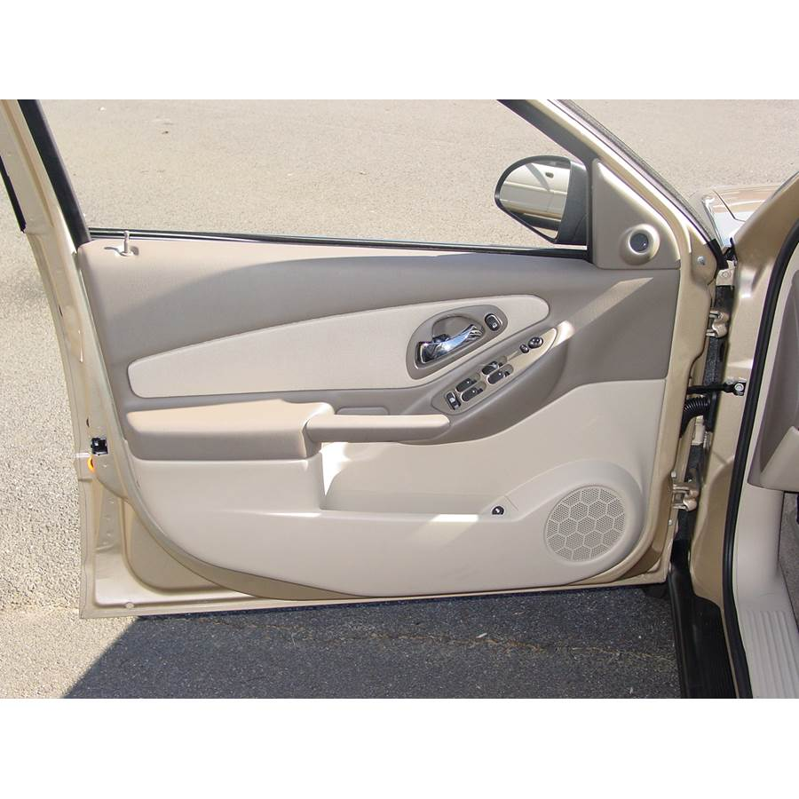 2008 Chevrolet Malibu (Classic) Front door speaker location