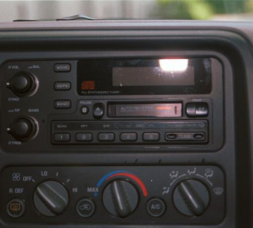 1995 Chevrolet Suburban Factory Radio