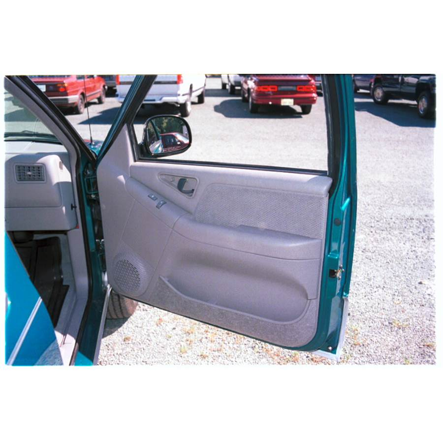 1997 Chevrolet Blazer Front door speaker location
