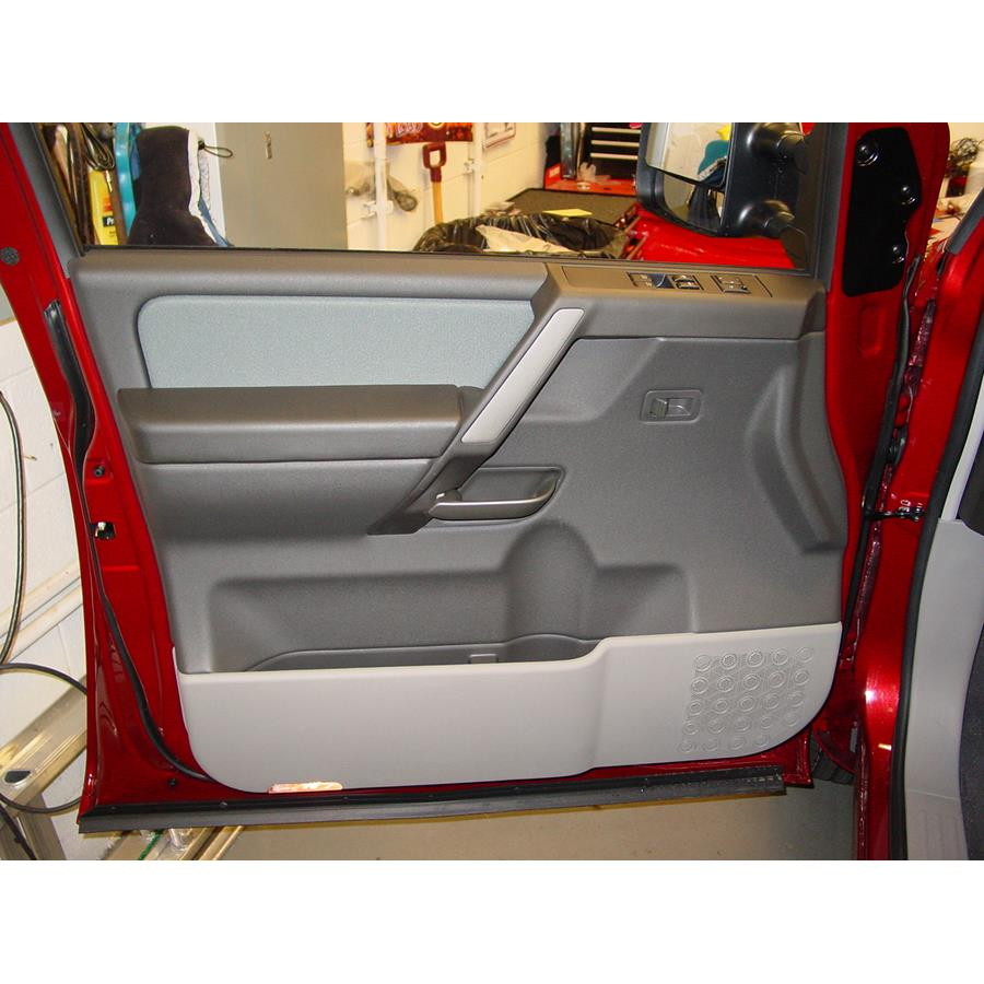 2014 Nissan Titan PRO-4X Front door speaker location