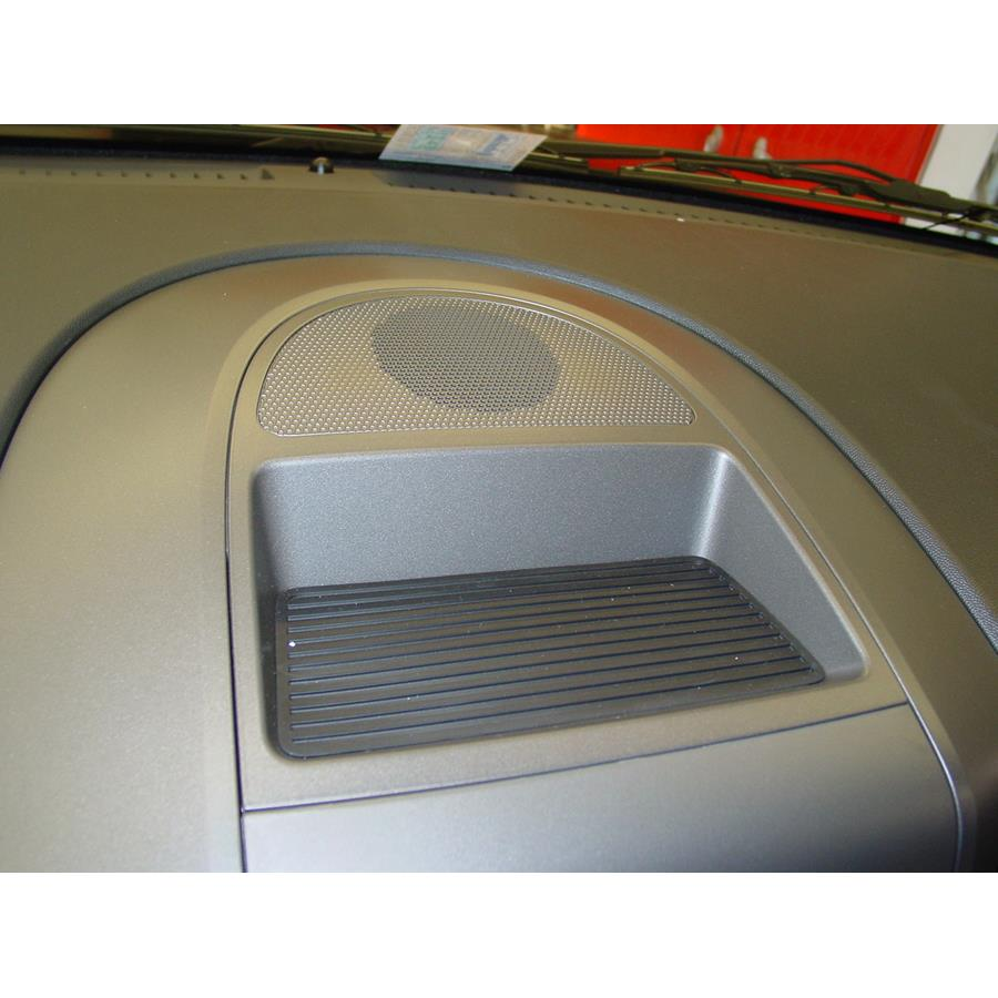 2014 Nissan Titan PRO-4X Center dash speaker location