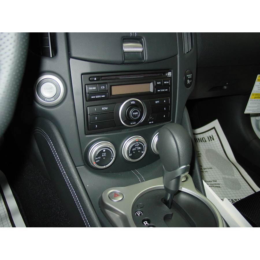 2011 Nissan 370Z Factory Radio
