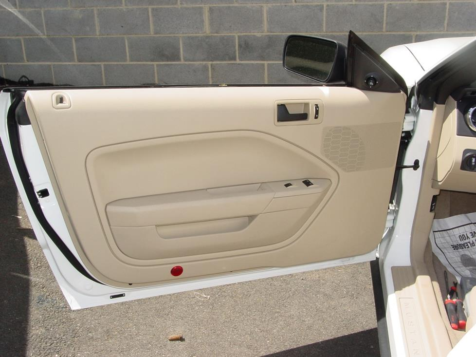Ford Mustanf front door base model