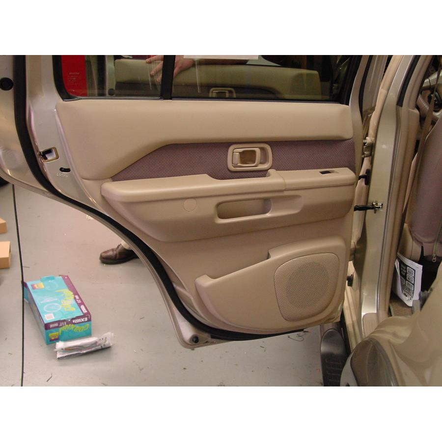 2004 Nissan Pathfinder SE Rear door speaker location