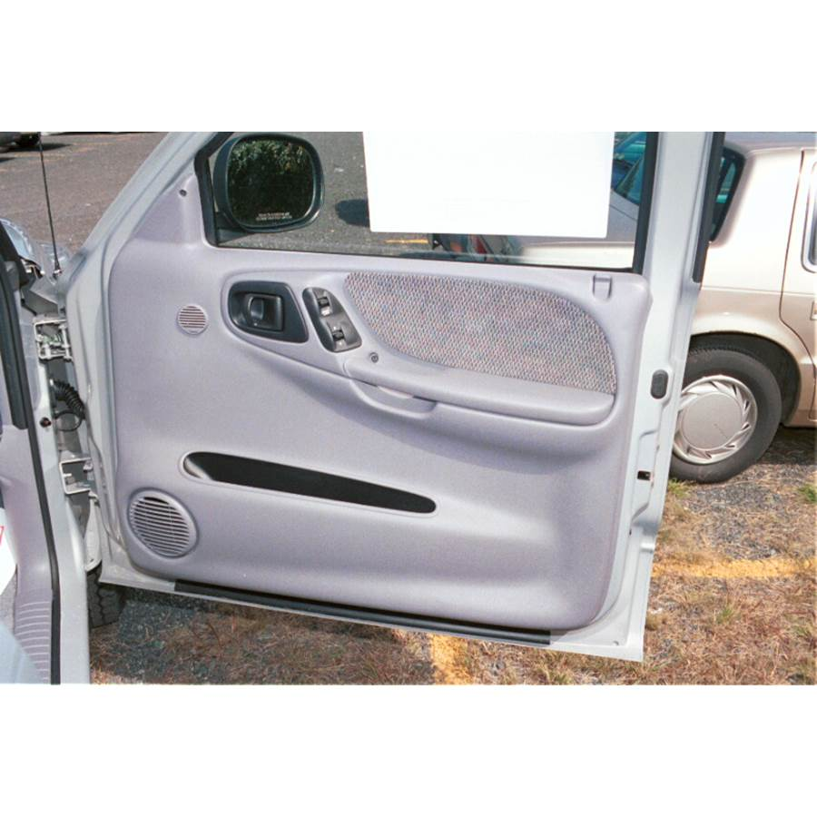 1999 Dodge Dakota Front door speaker location