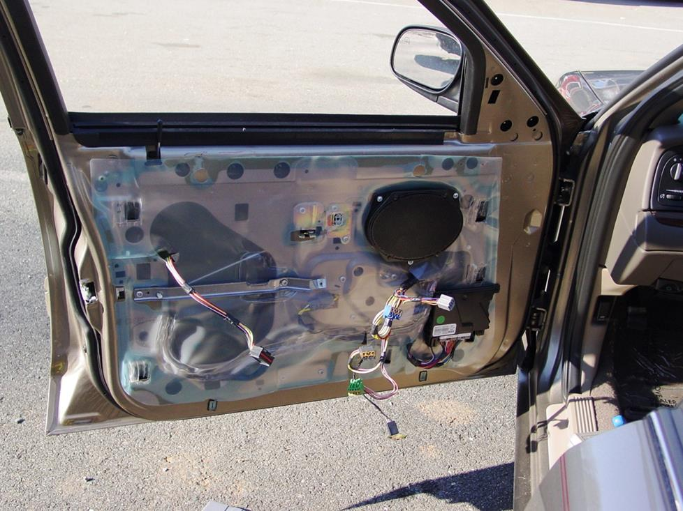 Ford Crown Victoria front speaker