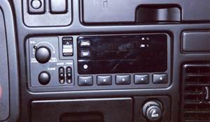 1994 Dodge Laramie Factory Radio
