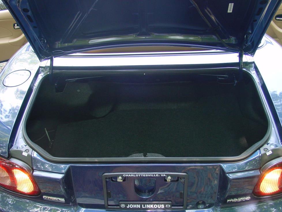 2001-2005 Mazda MX-5 Miata Car Audio Profile