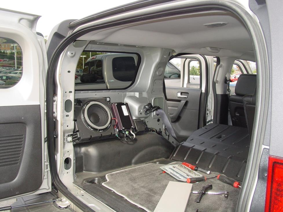 Hummer H3 factory sub