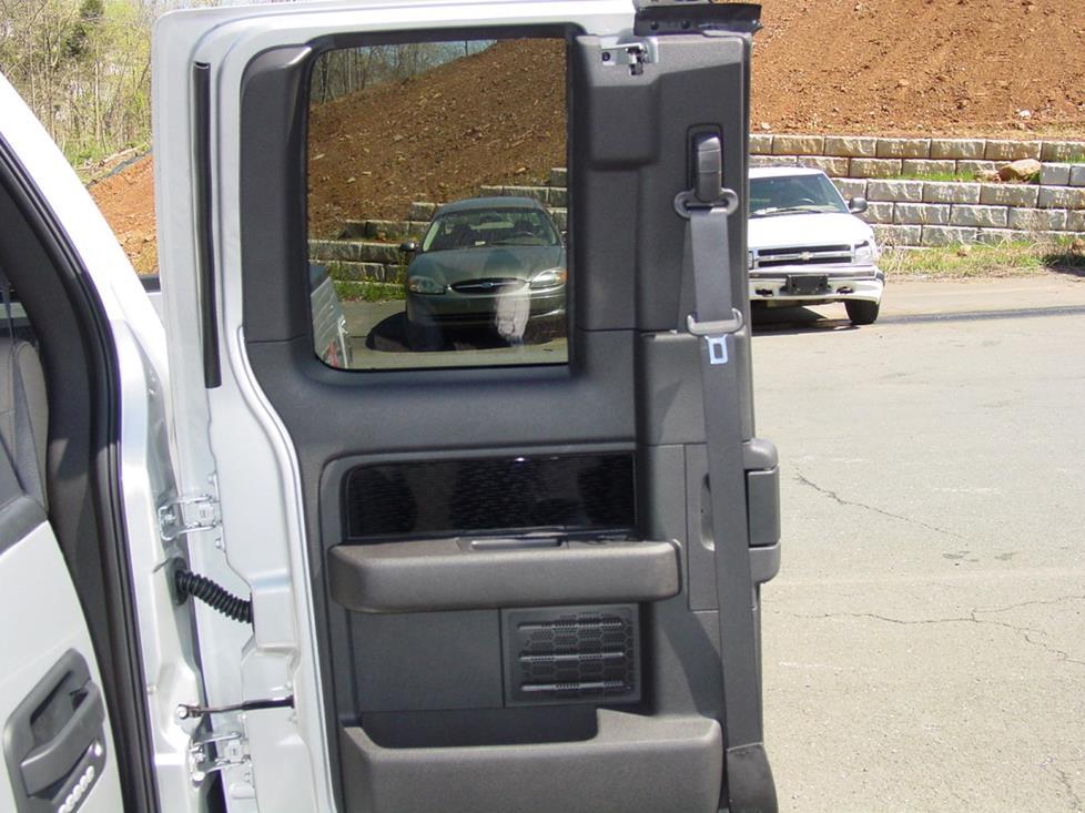 2000 f150 xlt door speaker size