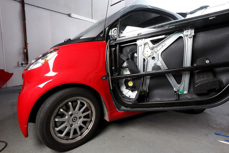 smart fortwo front door speaker location
