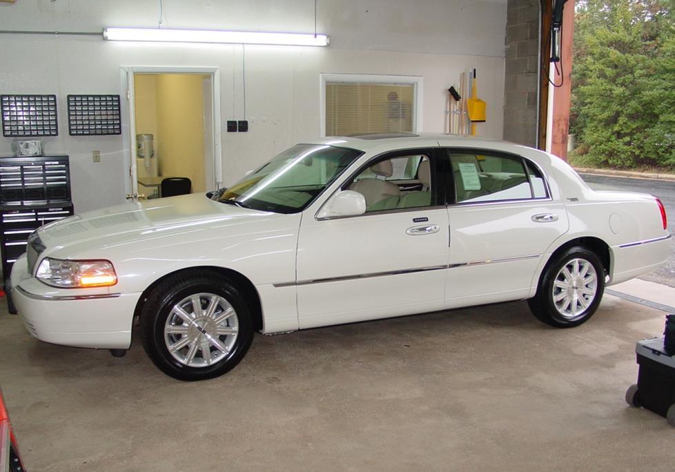 2003-11 lincoln town car