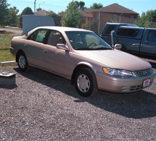 1999 Toyota Camry LE Exterior