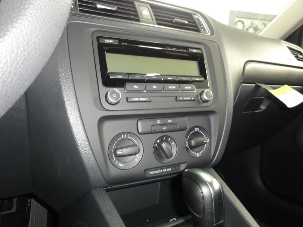 VW Jetta radio