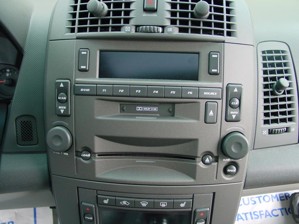 Cadillac CTS base radio