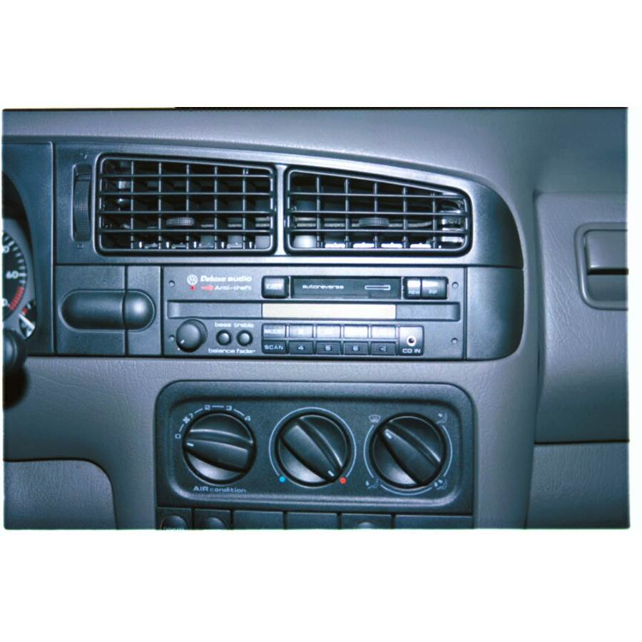 1997 Volkswagen Golf III Factory Radio