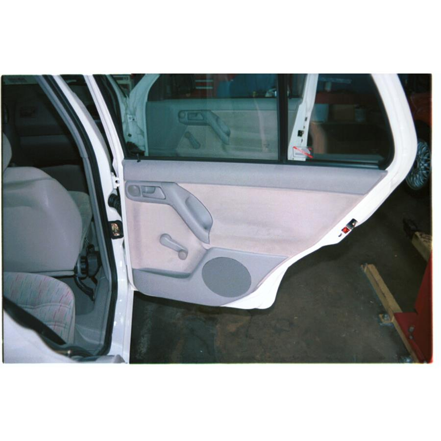 1997 Volkswagen Golf III Rear door speaker location