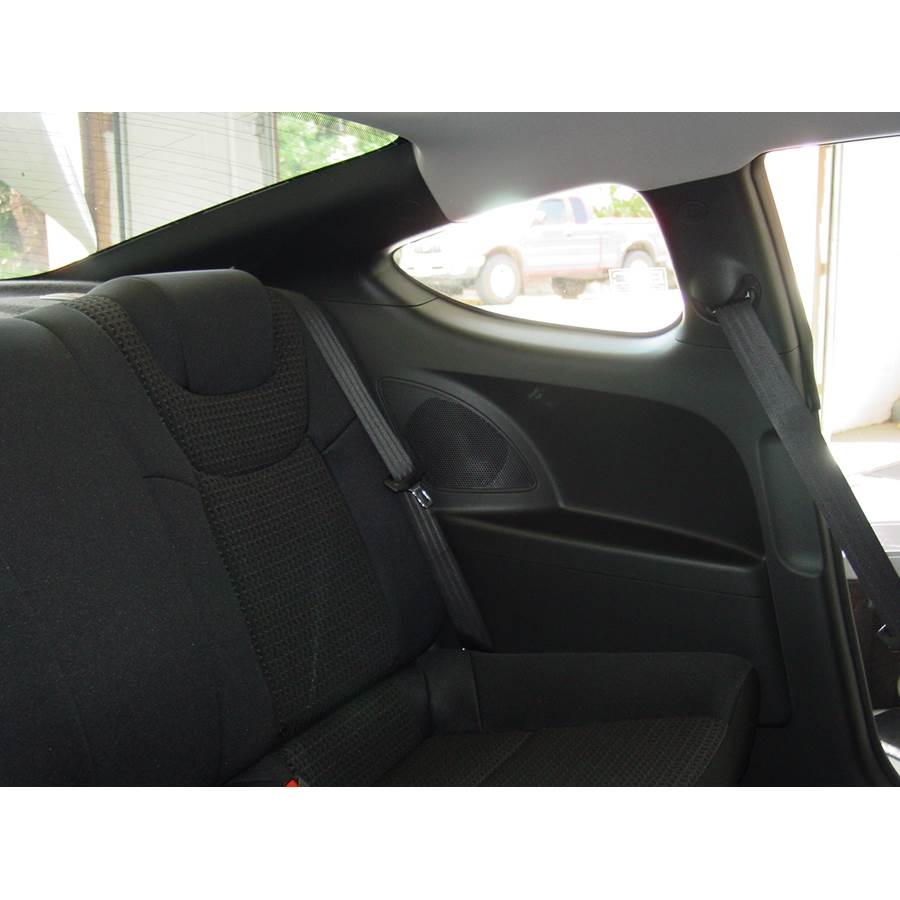 2010 Hyundai Genesis Rear side panel speaker location