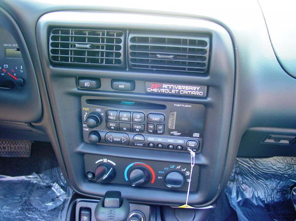 Chevy Camaro radio