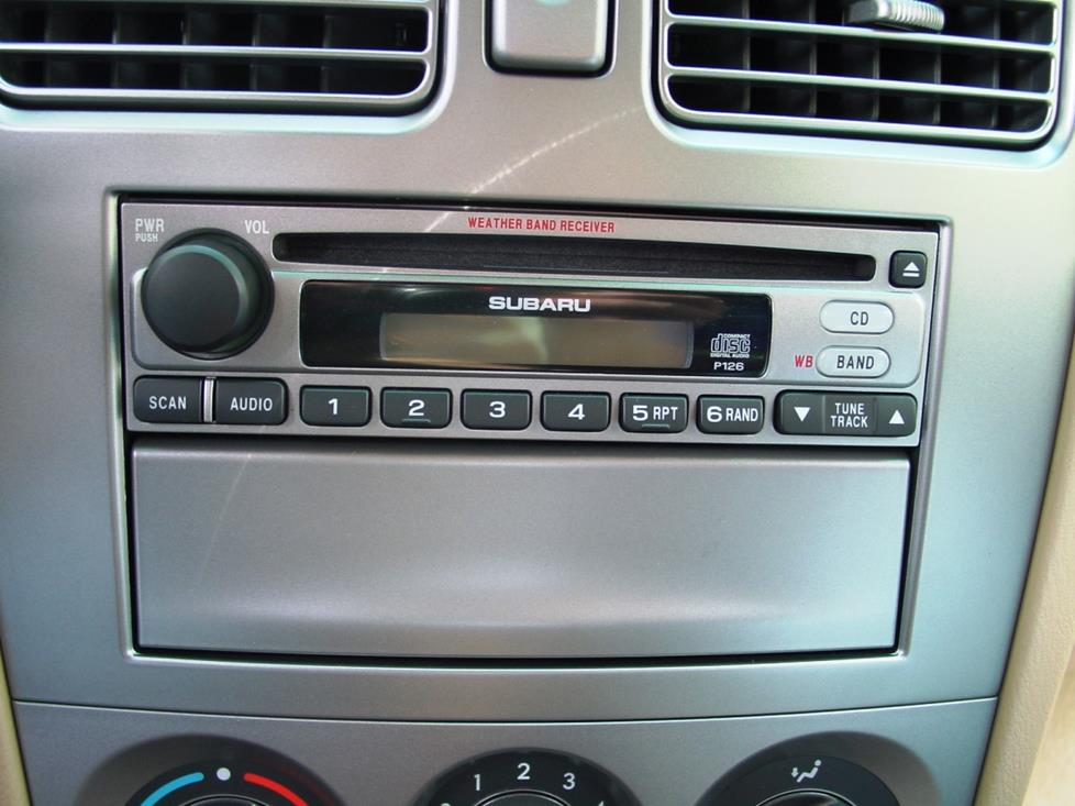 subaru forester base radio