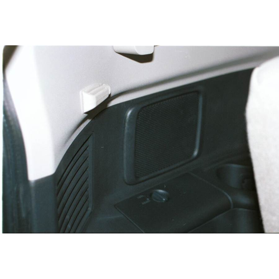2005 Mitsubishi Montero Far-rear side speaker location