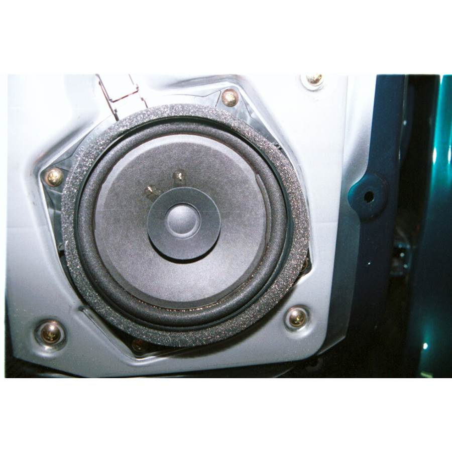 2004 Mitsubishi Montero Rear door speaker