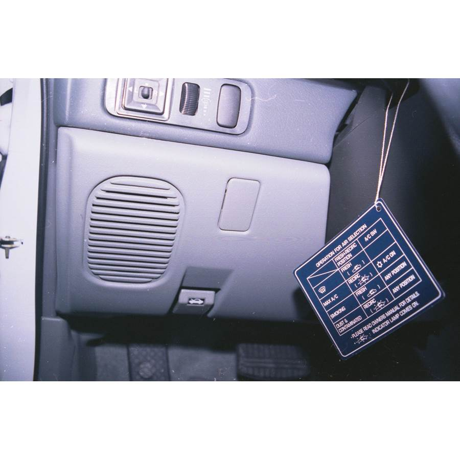 1994 Mitsubishi Galant Dash speaker location