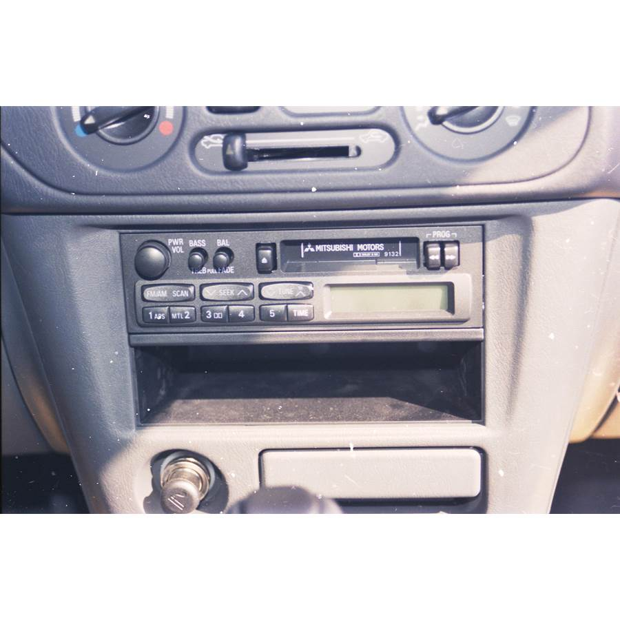 1997 Mitsubishi Mirage Factory Radio
