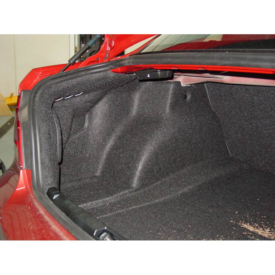2011 BMW 1 Series Factory amplifier location