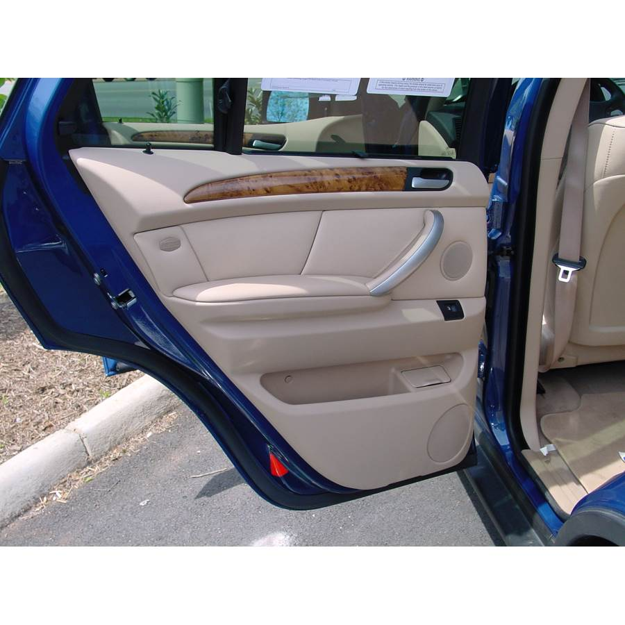 2005 BMW X5 Rear door speaker location