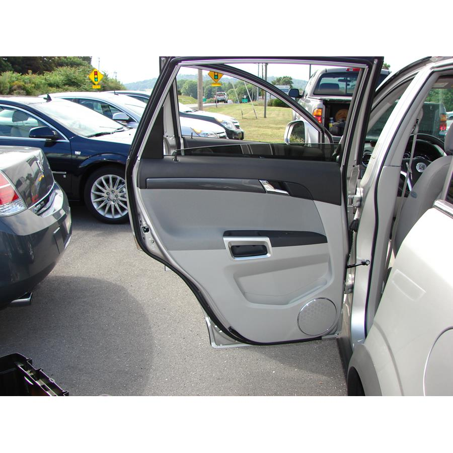 2009 Saturn VUE Rear door speaker location