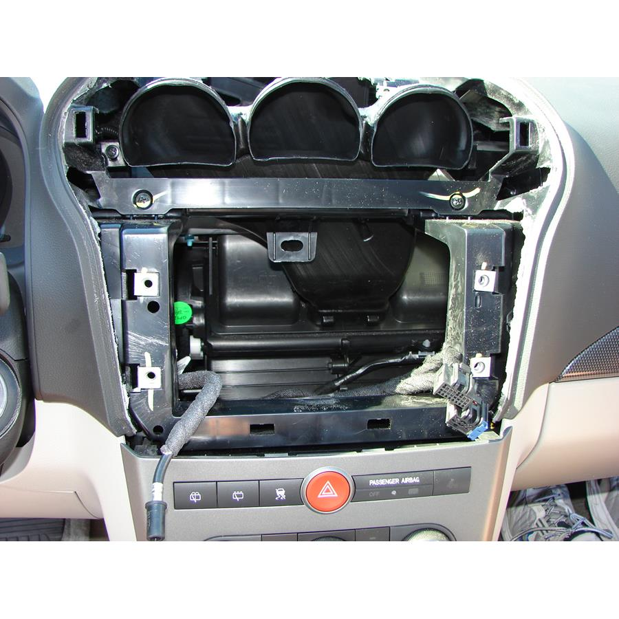 2009 Saturn VUE Factory radio removed