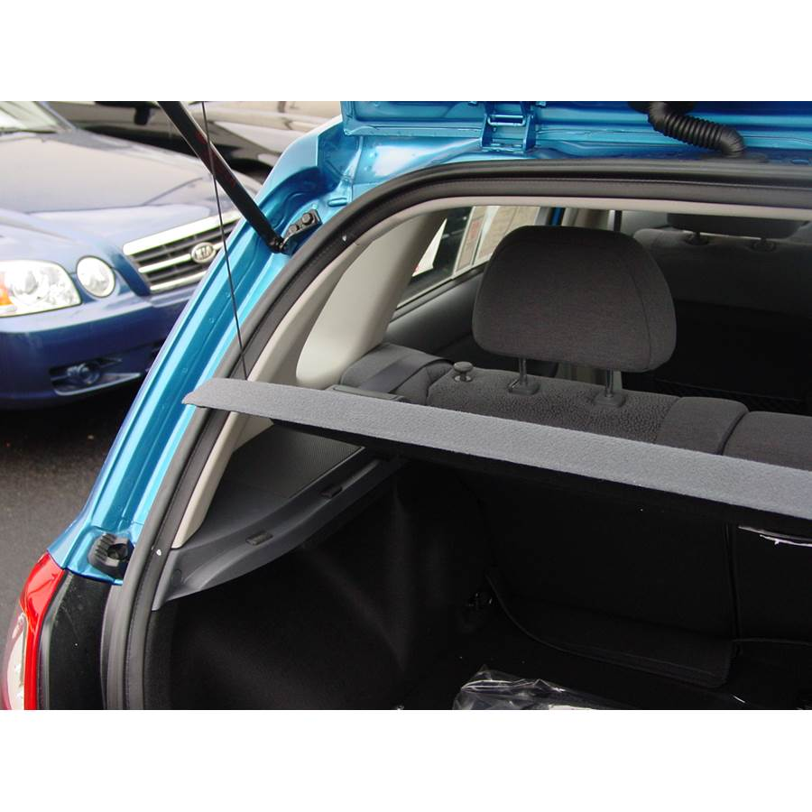 2006 Kia Spectra5 Side panel speaker location