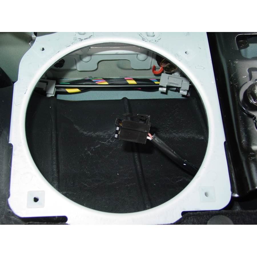 2006 Kia Spectra5 Side panel speaker removed